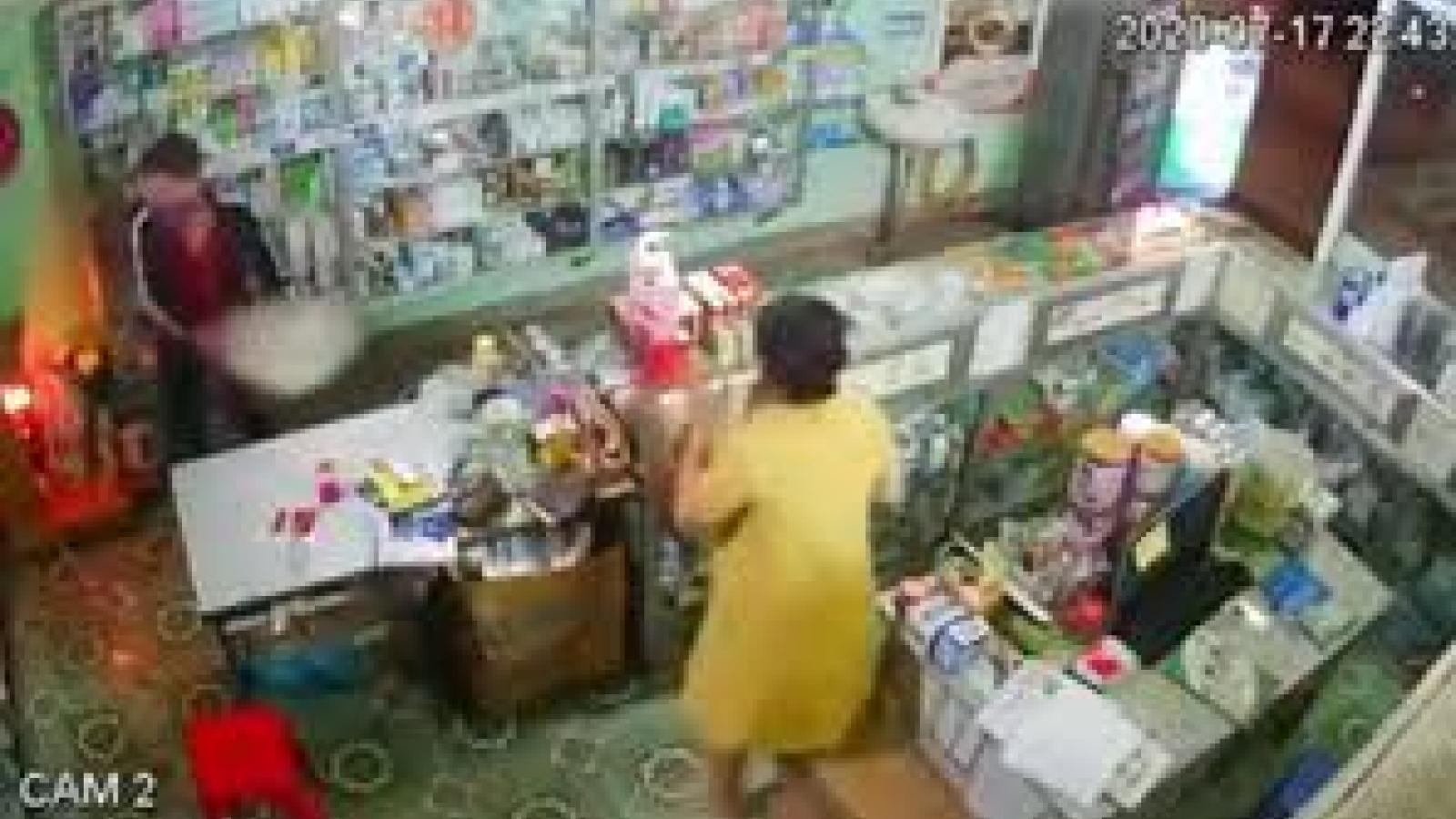 Đối tượng cướp hiệu thuốc táo tợn tại Điện Biên có biểu hiện tâm thần