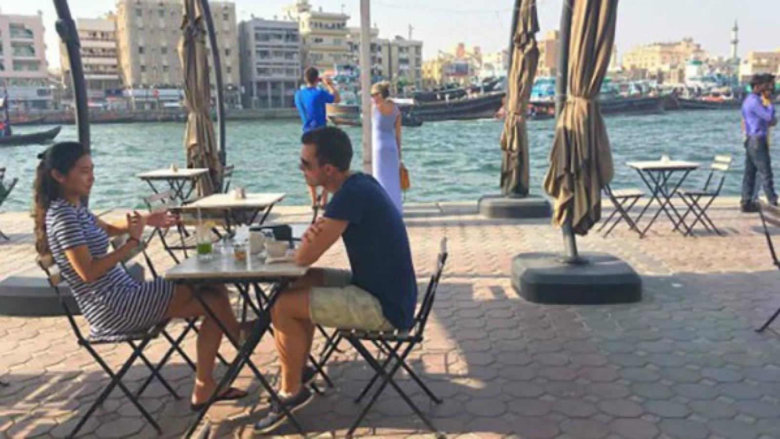 Dubai cho phép kinh doanh dịch vụ nhà hàng và cà phê trở lại