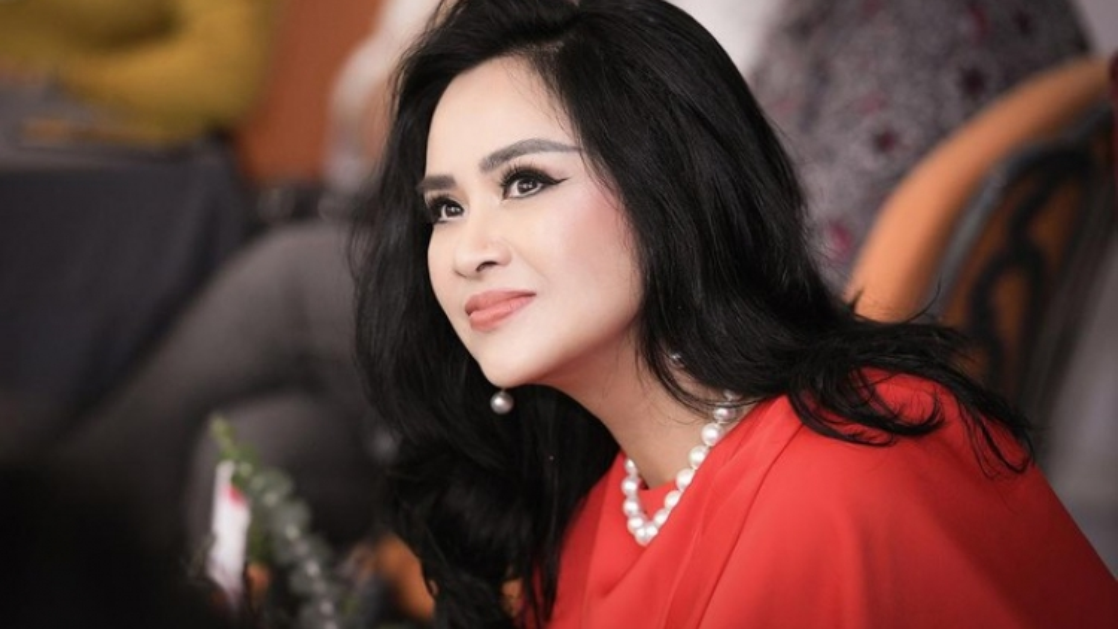 """""""Nơi gặp gỡ tình yêu"""" của Thanh Lam: Nhạc đỏ không mới nhưng đáng nghe"""