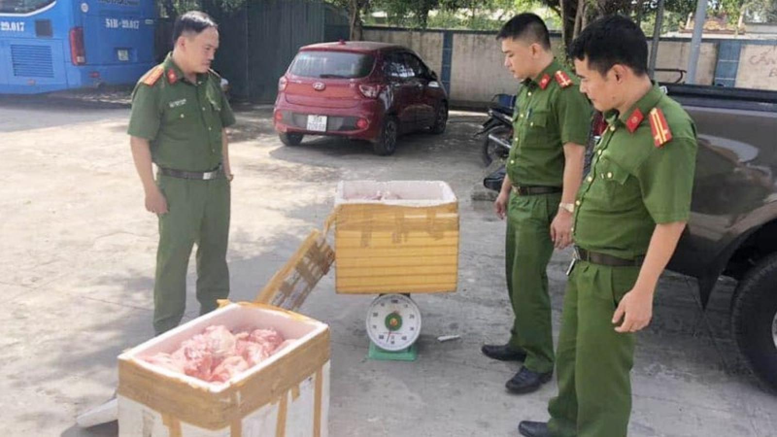 Mua gà thải từ các tỉnh phía Bắc về Hà Tĩnh tiêu thụ