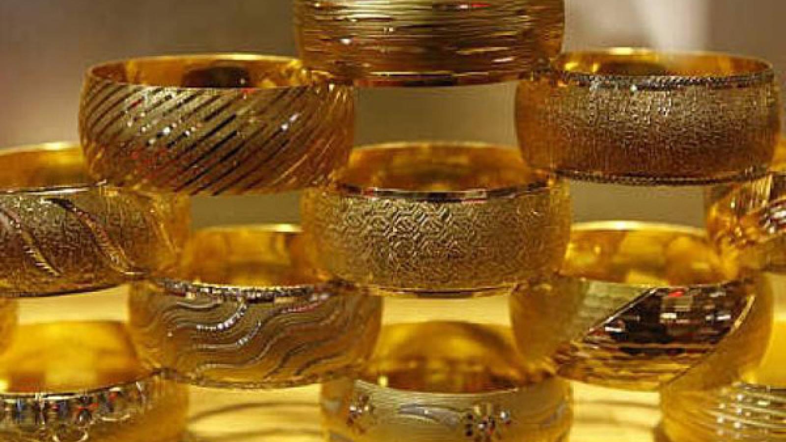Giá vàng trong nước có tăng đột biến?