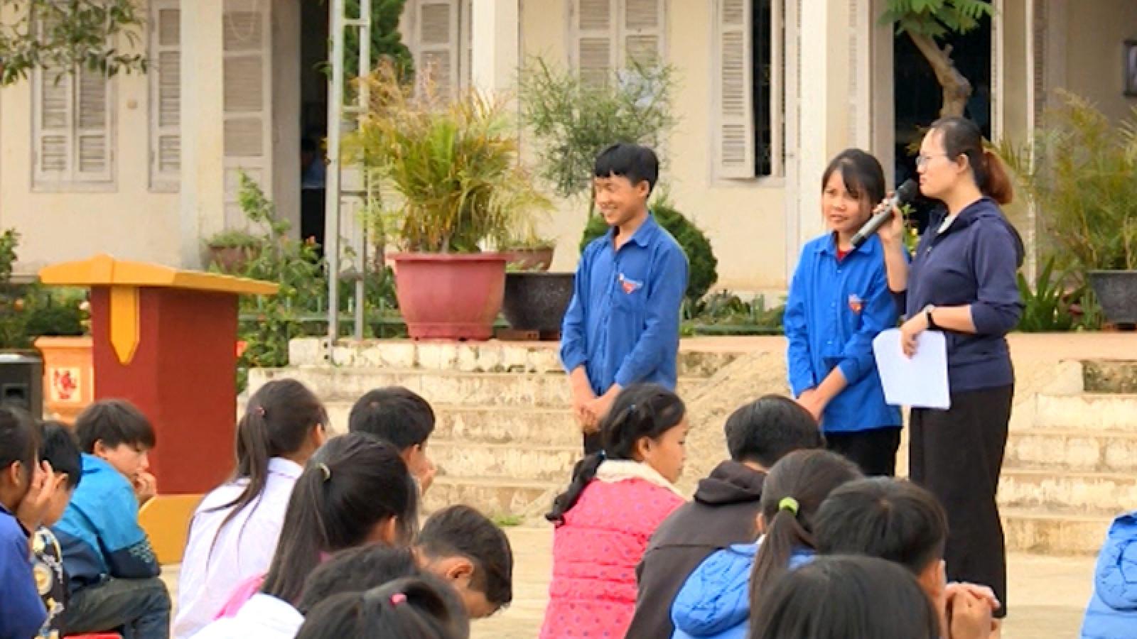 Giáo dục giới tính học đường- giải pháp ngăn chặn tảo hôn ở Lai Châu