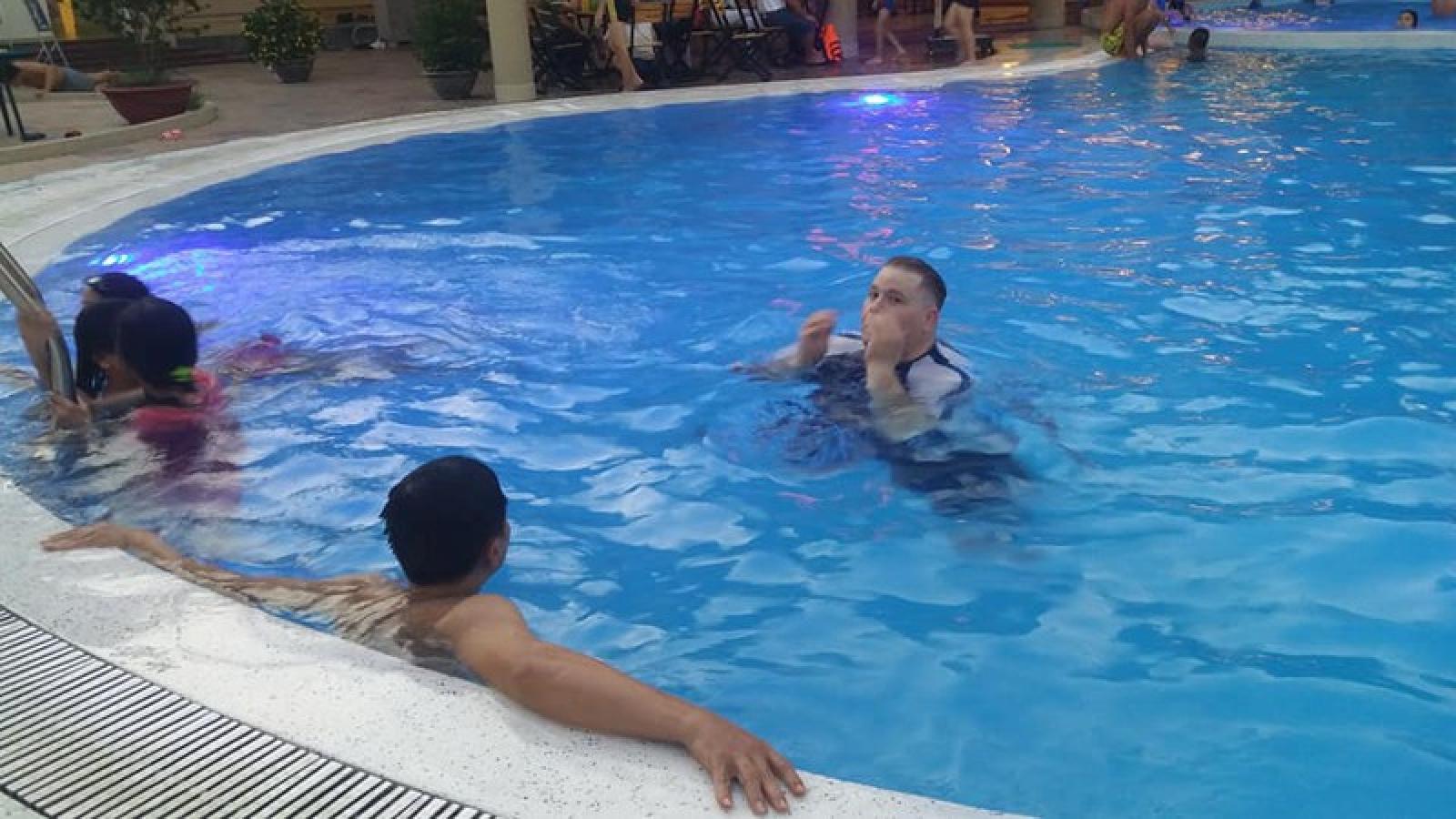 """Nhiều hồ bơi trong trường học ở Tiền Giang đang """"chết yểu"""""""