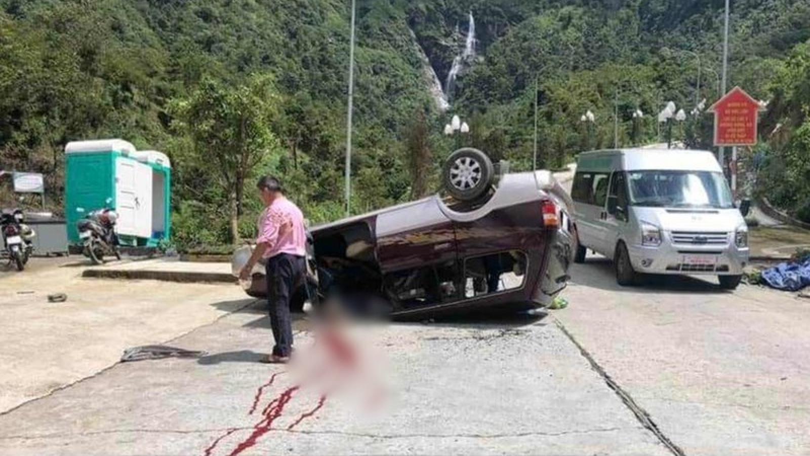 Lật xe tại khu du lịch Cầu kính Rồng mây làm 1 người tử vong