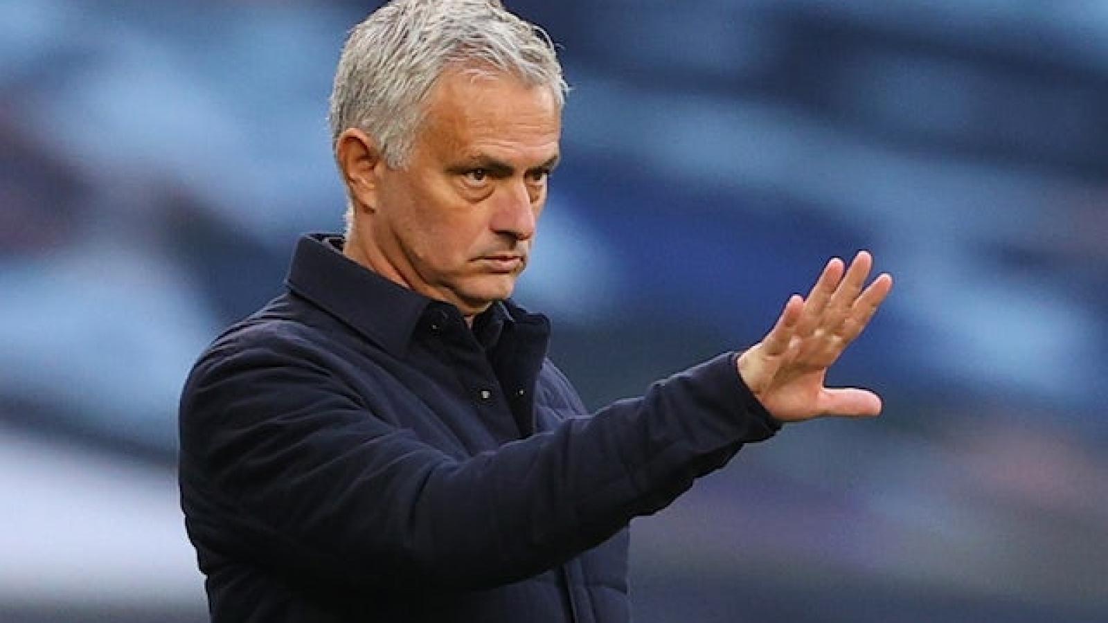 Chuyển nhượng 29/7: Chelsea dụ dỗ sao trẻ MU, Mourinho đòi mua 5 người