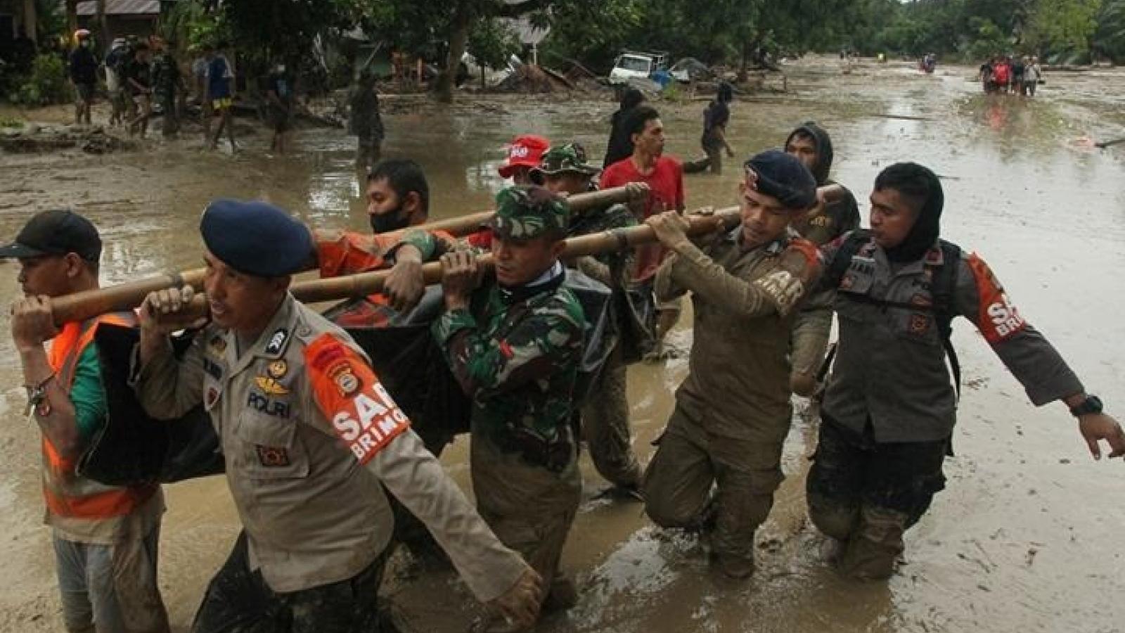 Lũ quét Indonesia: Số người chết tăng thêm, gần 70 người vẫn mất tích