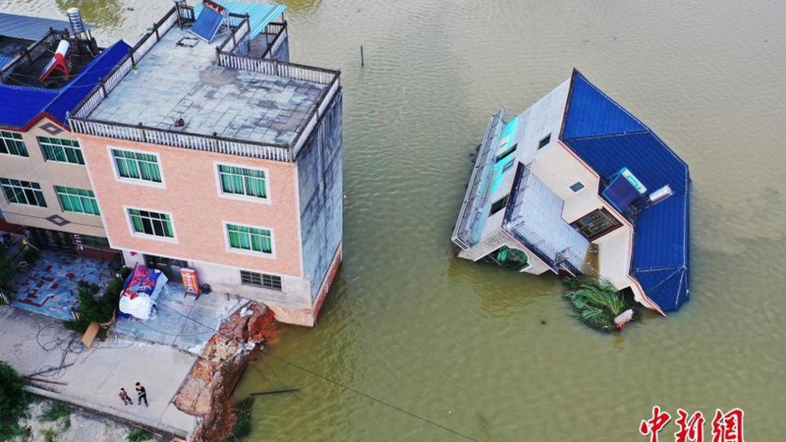 Điện thăm hỏi tình hình lũ lụt tại Trung Quốc