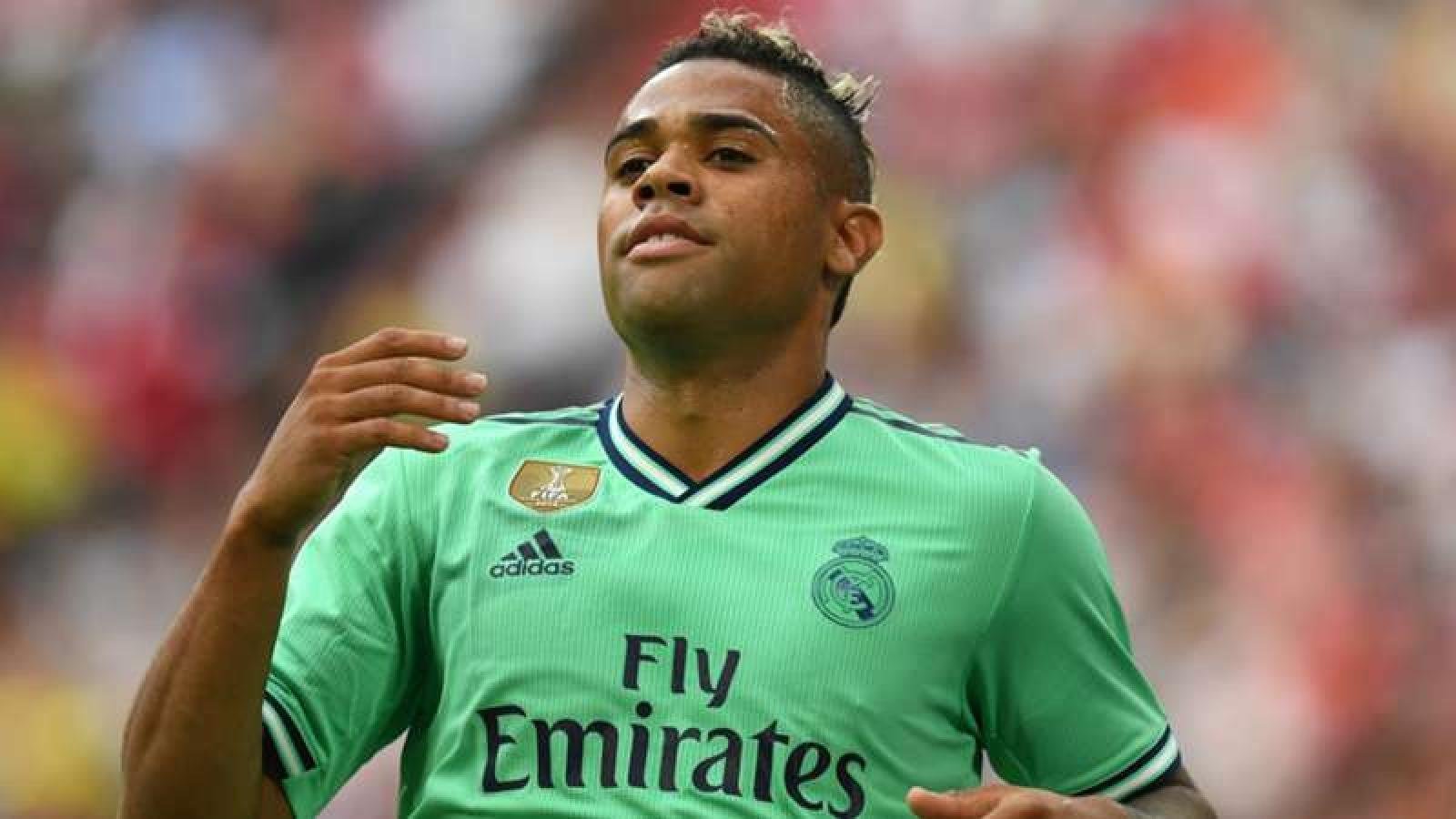 Tiền đạo của Real Madrid mắc Covid-19