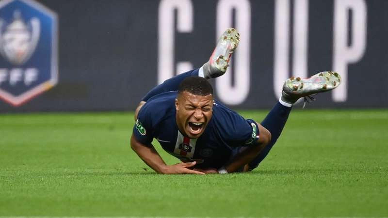 """Mbappe chấn thương """"kinh hoàng"""" ngày PSG vô địch Cúp QG Pháp"""
