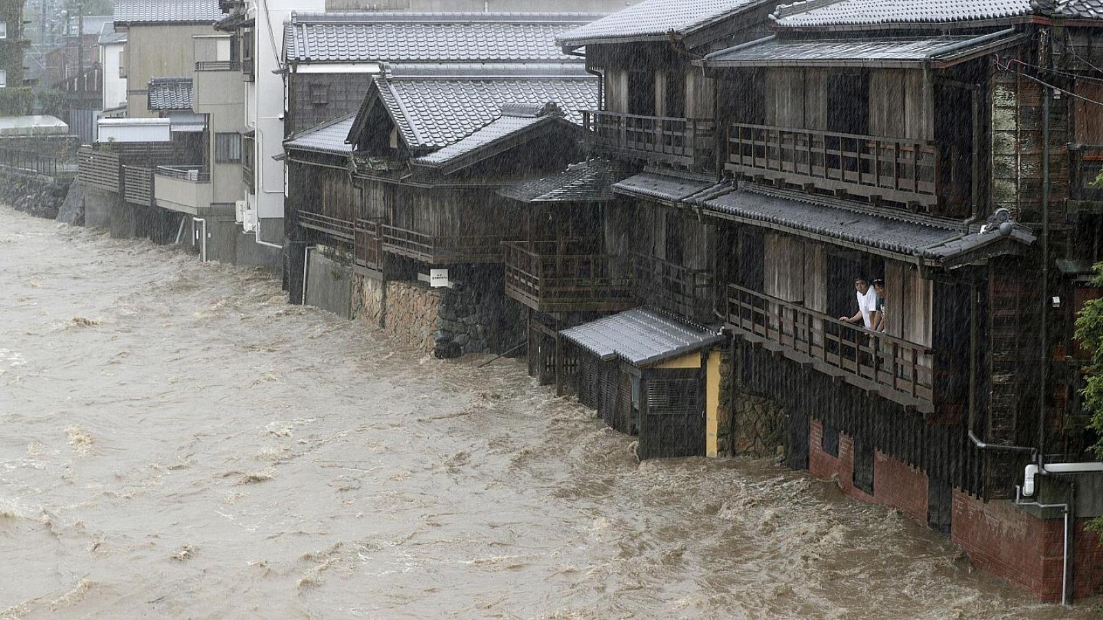 Mưa bão ở Nhật Bản diễn biến phức tạp