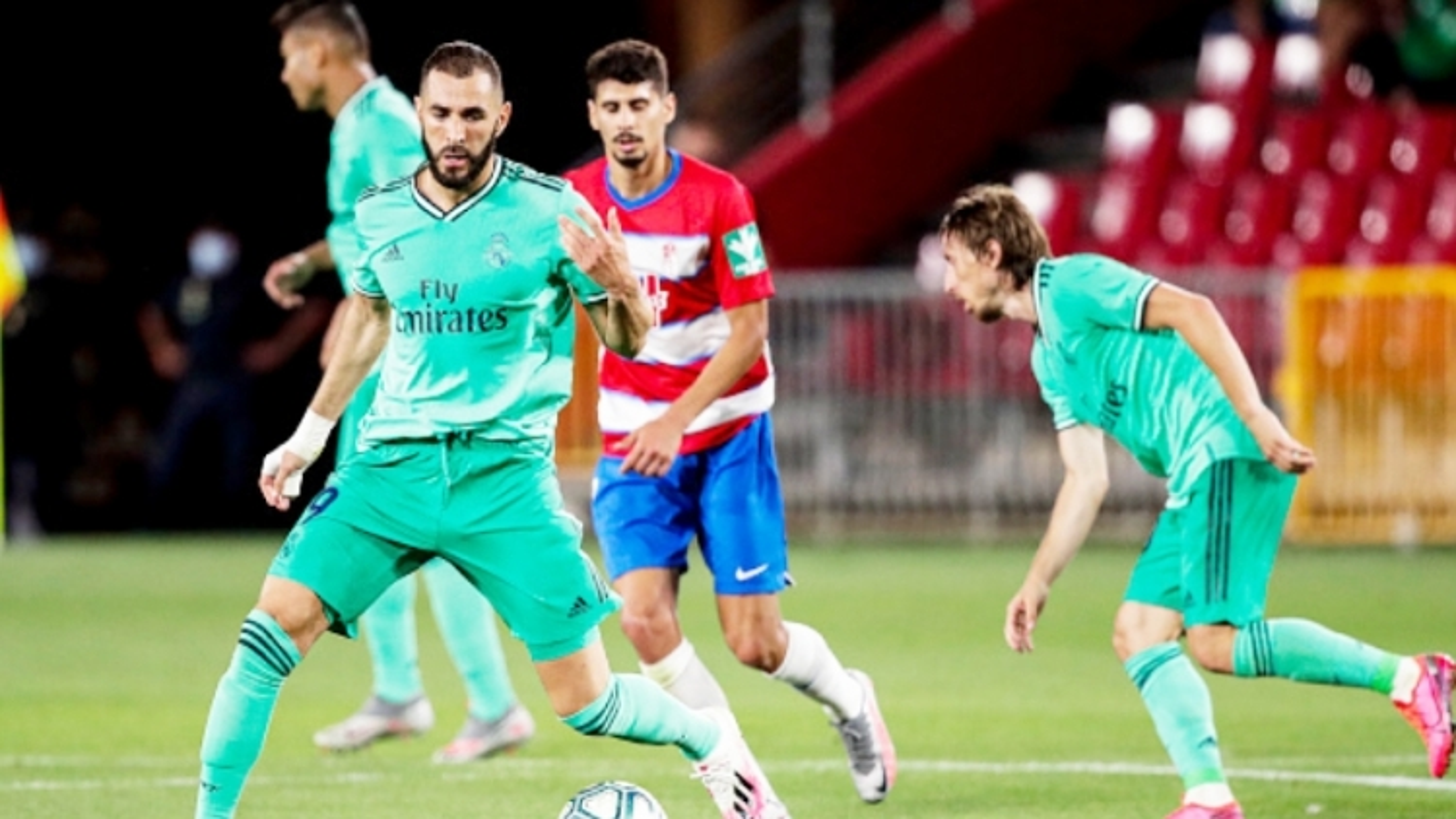 """Real Madrid - Villarreal: Cưỡi """"Tàu ngầm vàng"""" lên đỉnh La Liga?"""