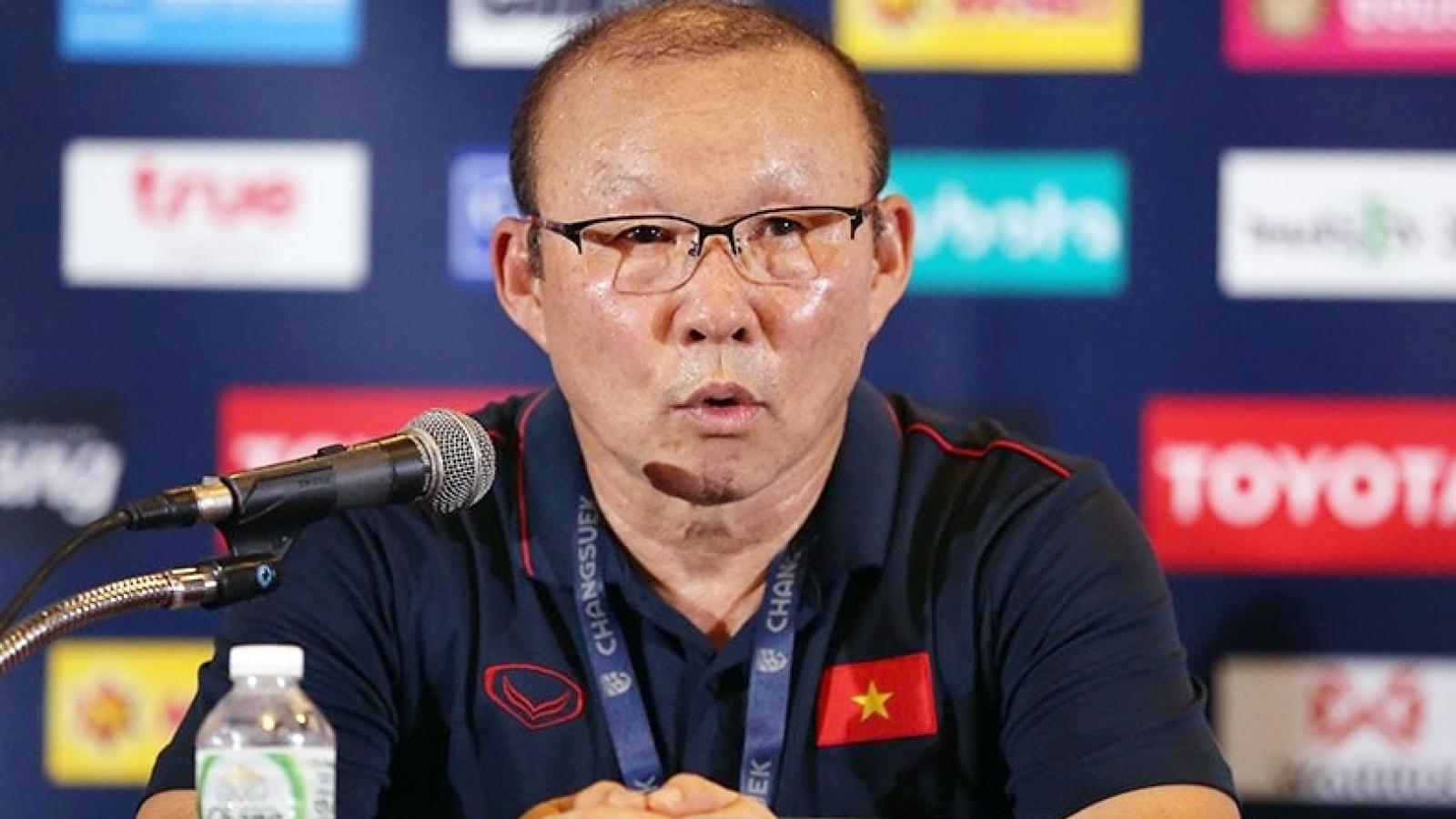 V-League 2020 tạm hoãn: Hà Nội FC mừng, nhưng thầy Park thì không