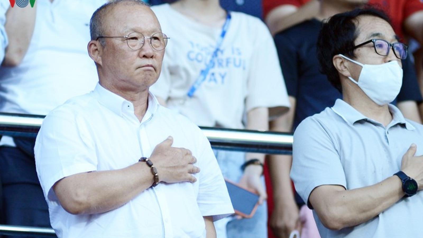 HLV Park Hang Seo dự khán 2 trận cầu nóng nhất vòng 9 V-League 2020