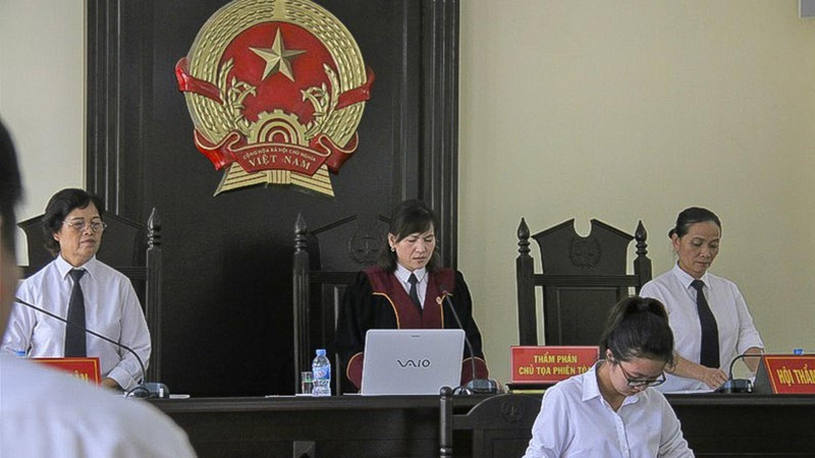 Luật sư lý giải lý do hoãn phiên toà gia đình chịu án oan 28 năm