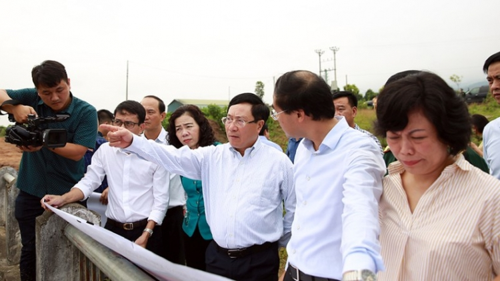 Phó Thủ tướng Phạm Binh Minh thị sát khu vực biên giới tại Lào Cai