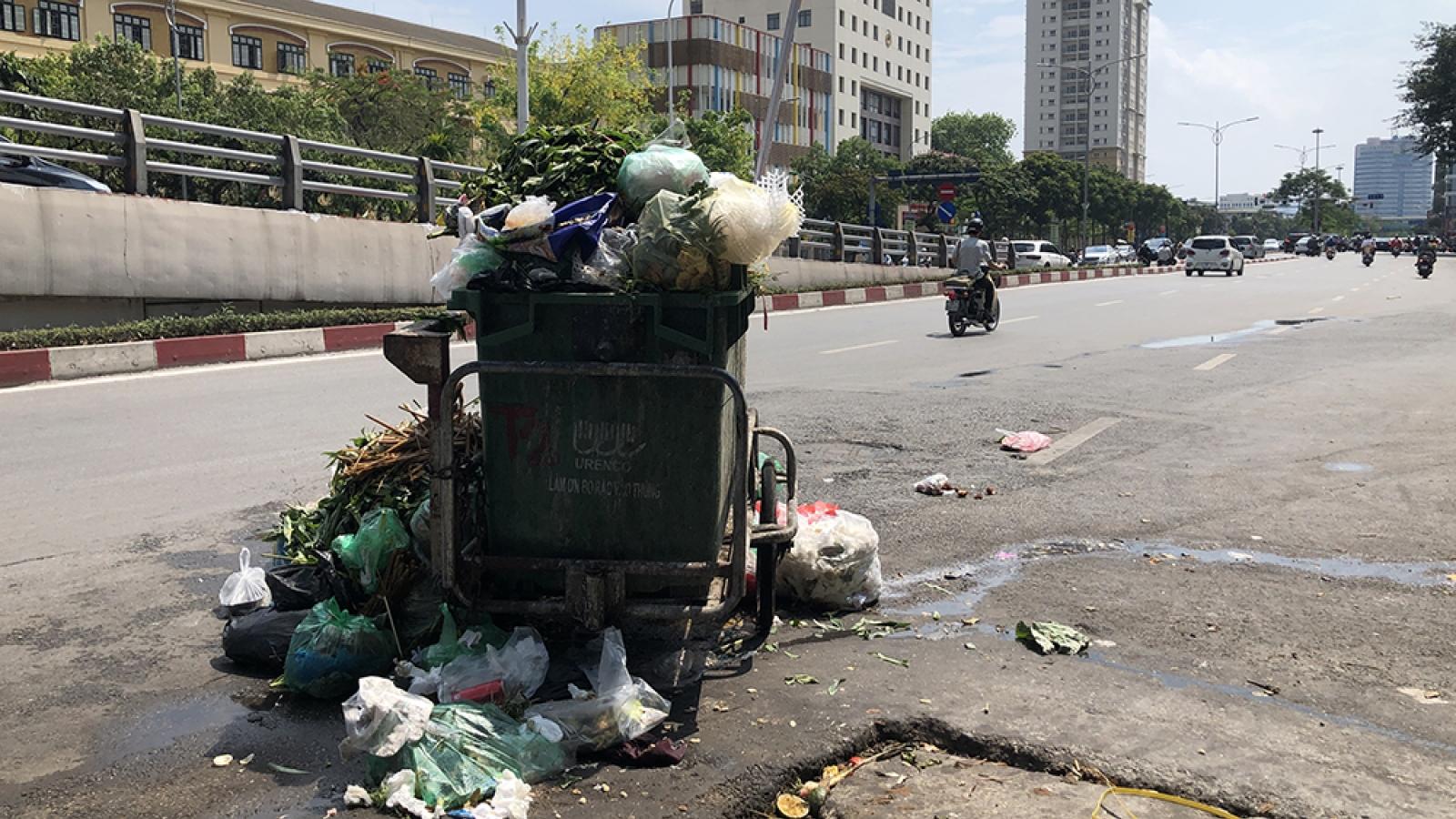 Chủ tịch Hà Nội: Hết hôm nay vận chuyển cơ bản rác ùn ứ ra khỏi nội thành