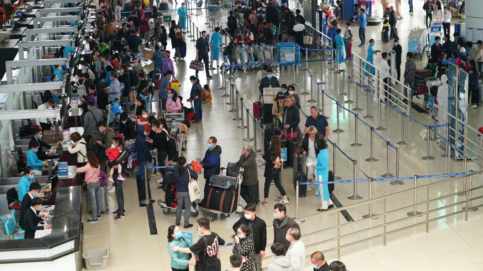 Cục Hàng không sẽ thu hồi slot nếu hãng bay cố tình mở bán vé trước