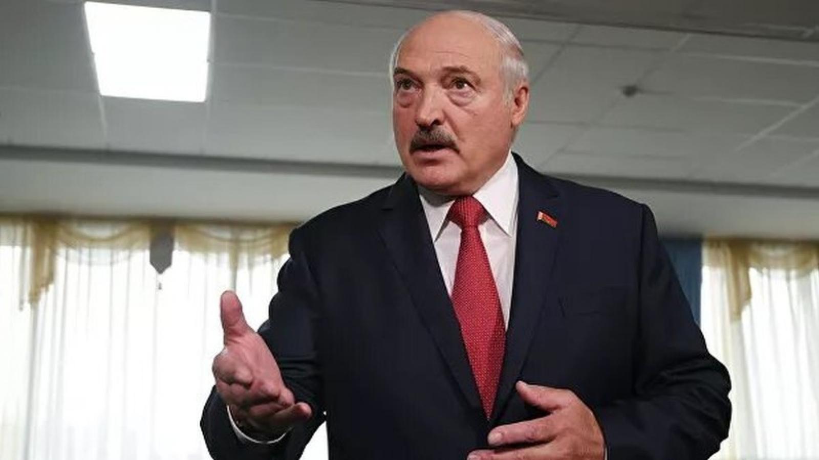 Tổng thống Belarus cho phép dùng quân đội để lập lại trật tự