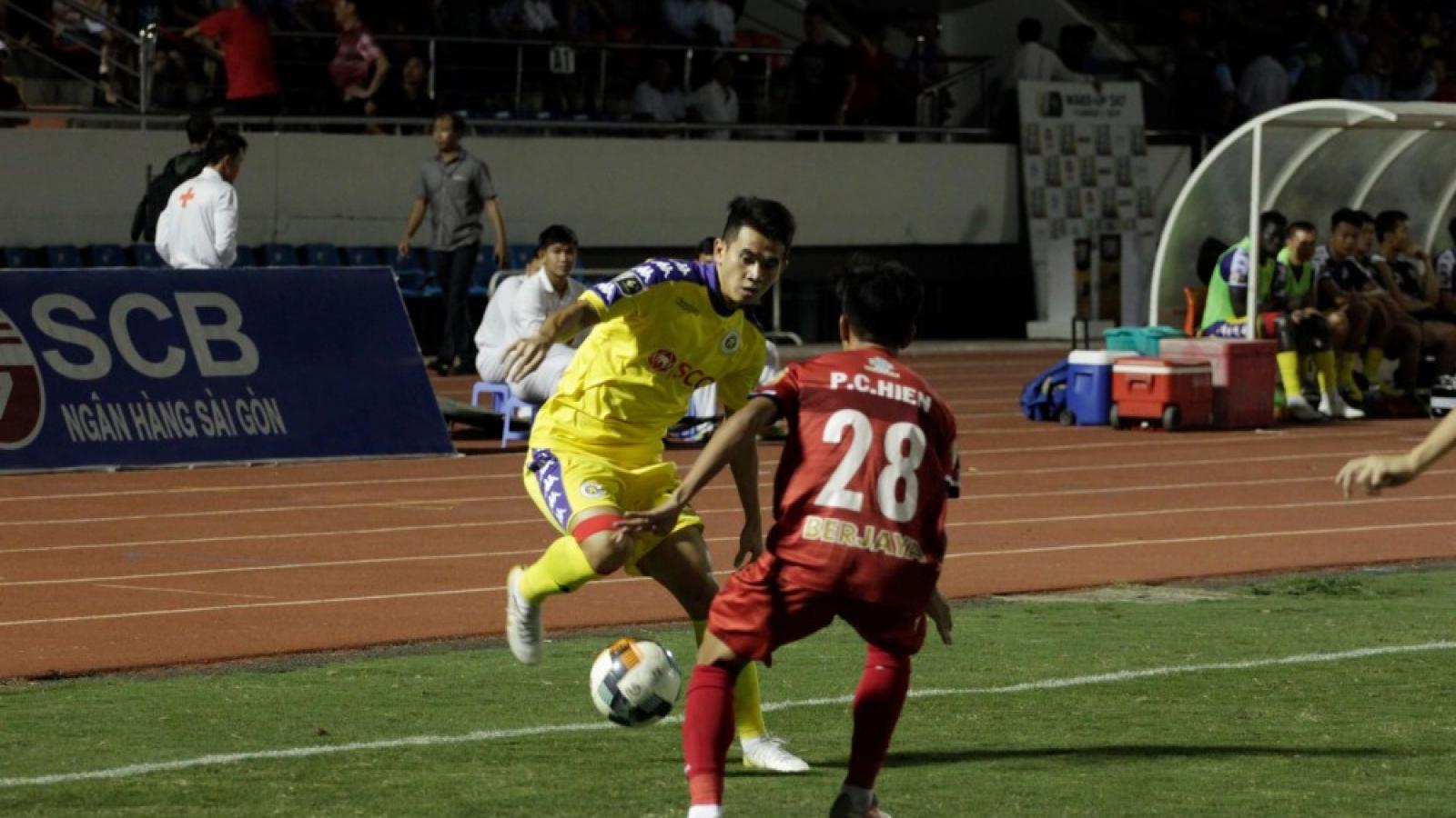 Ngày này năm xưa: CLB TPHCM và Hà Nội FC tạo nên trận đấu khó tin