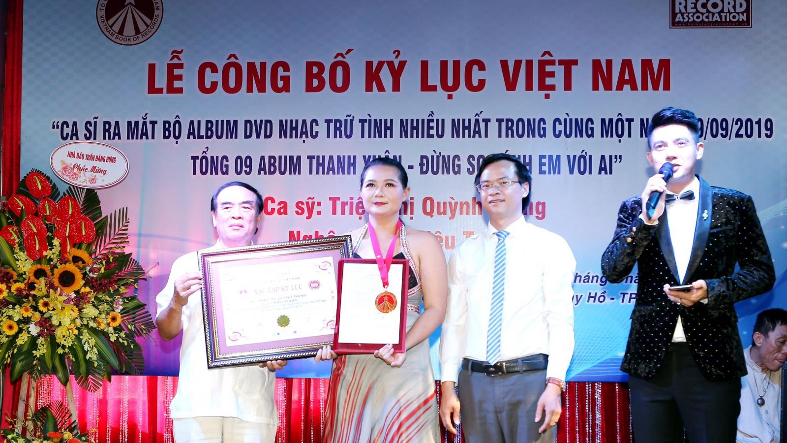 Ca sĩ Triệu Trang nhận kỷ lục Guinness Việt Nam vì ra 9 album cùng lúc
