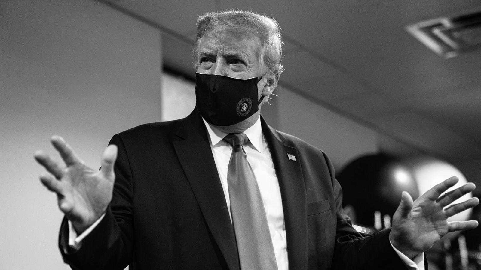 Tổng thống Trump đăng ảnh đeo khẩu trang, gọi đó là hành động yêu nước