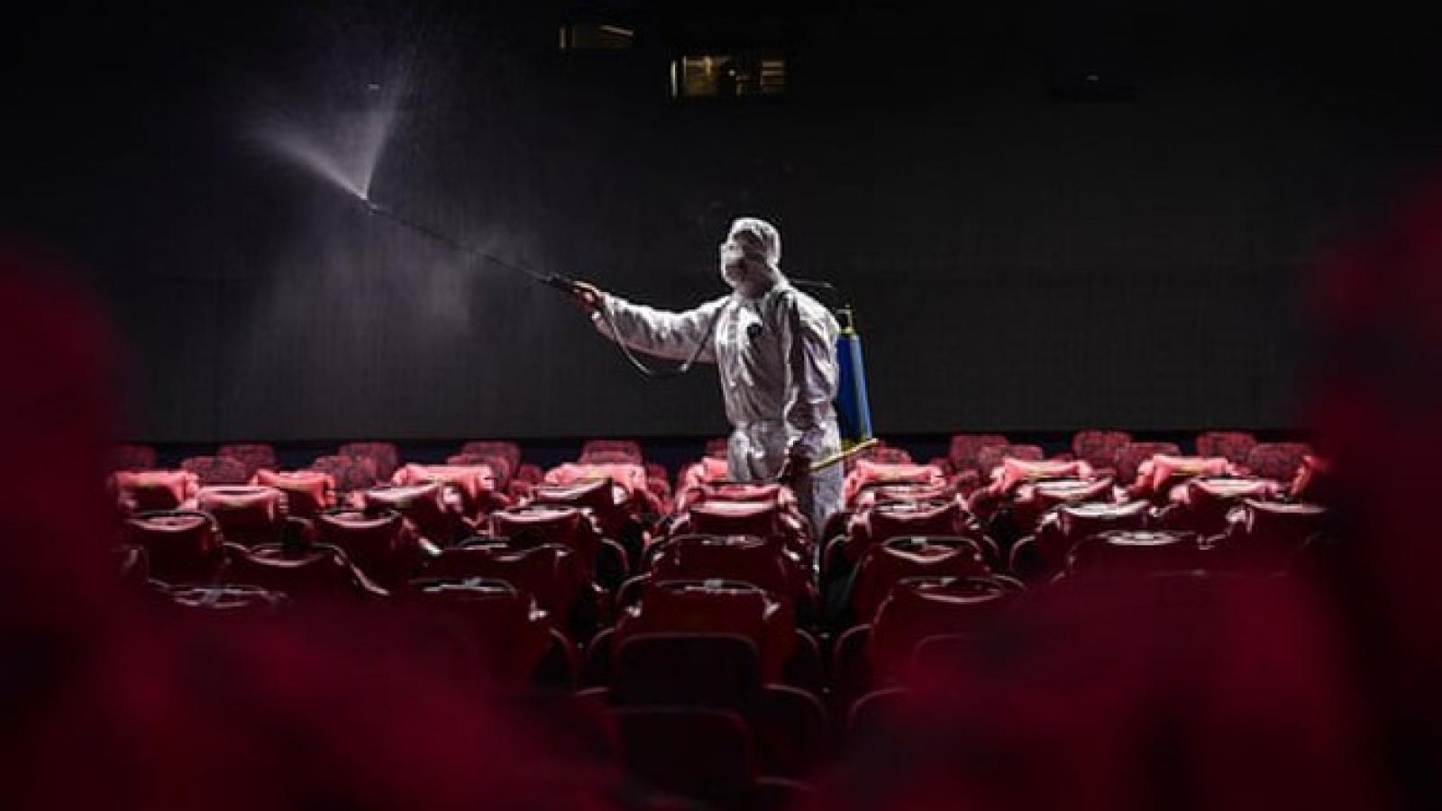 Trung Quốc mở lại rạp chiếu phim sau gần nửa năm