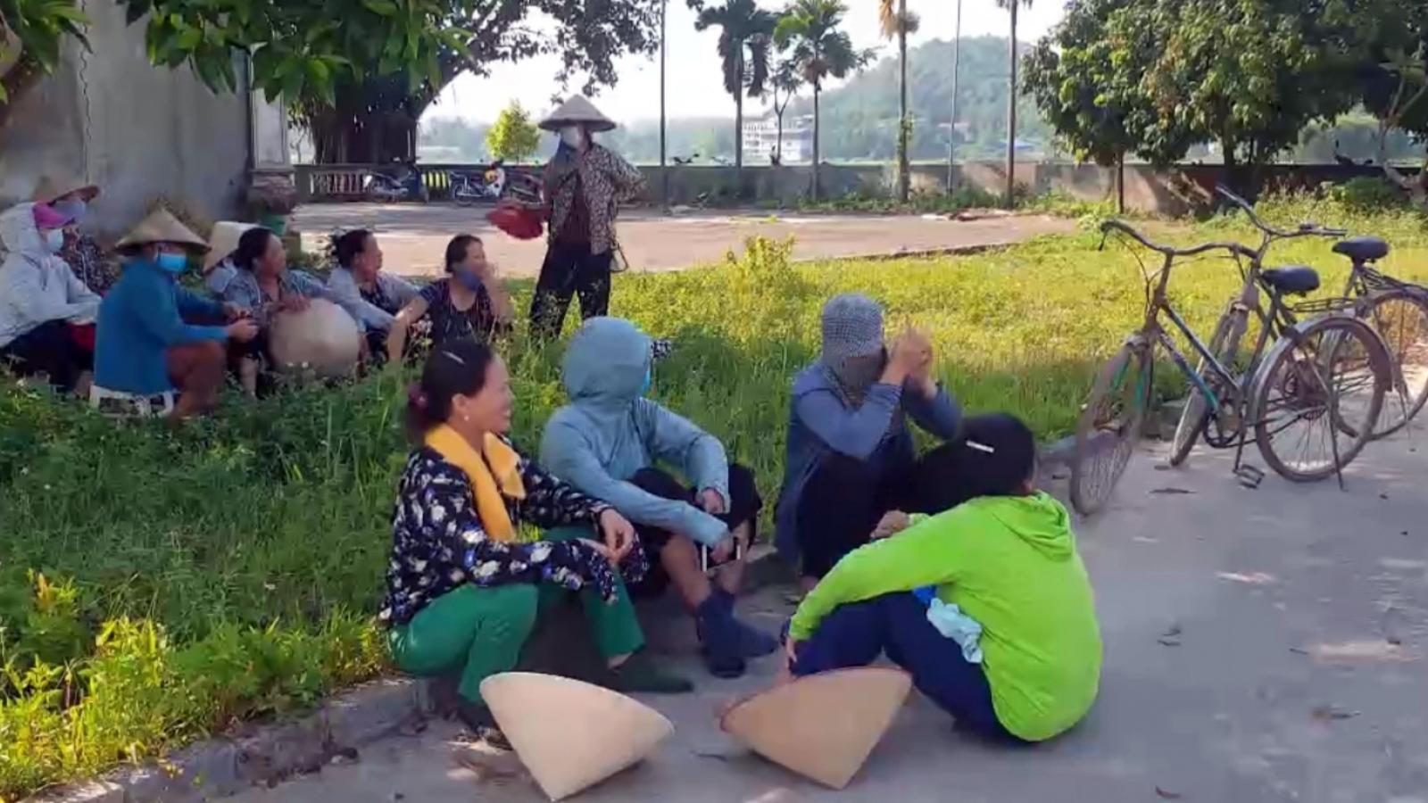 Vẫn chưa thể thông xe rác vào khu xử lý rác thải Nam Sơn, Hà Nội