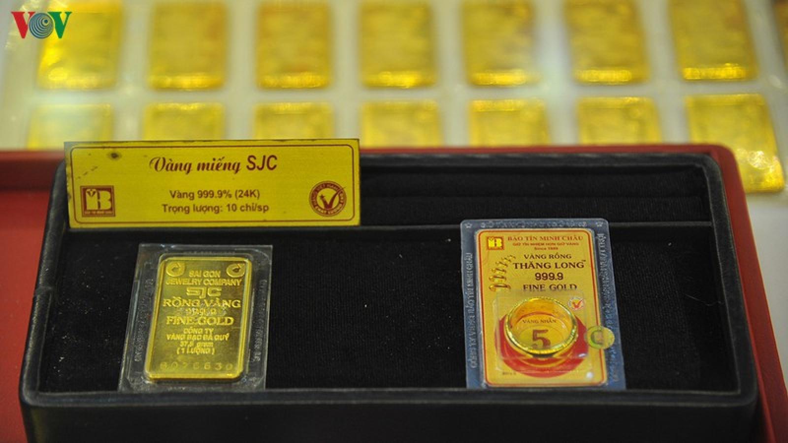 Giá vàng trong nước lập đỉnh mới – 56 triệu đồng/lượng
