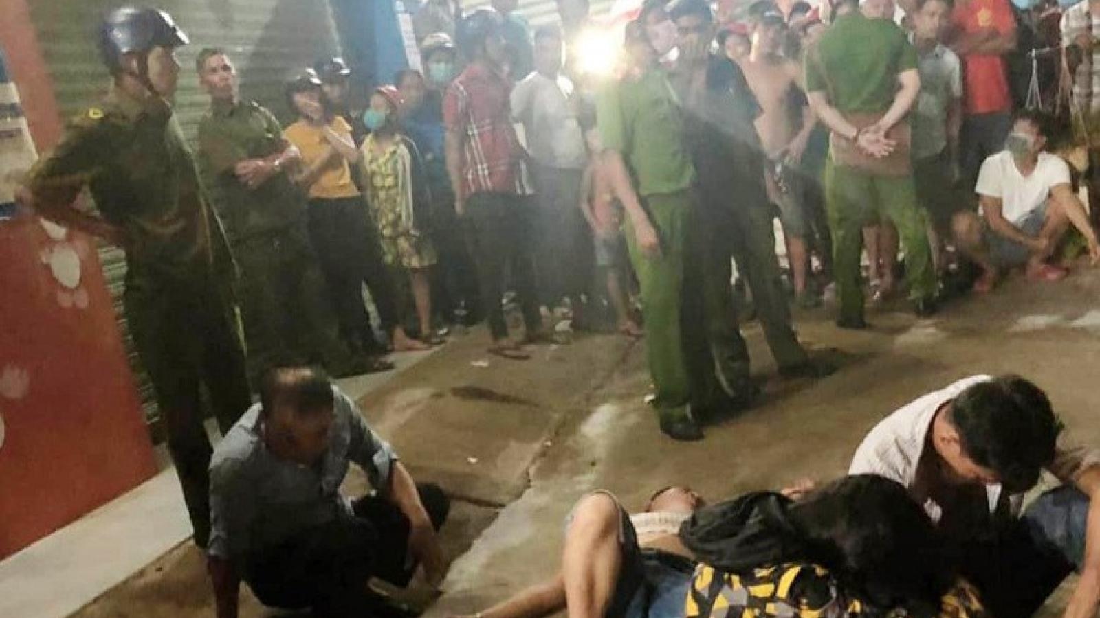 """3 thanh niên bị dân vây bắt sau tiếng hô hoán """"bị bắt cóc"""""""