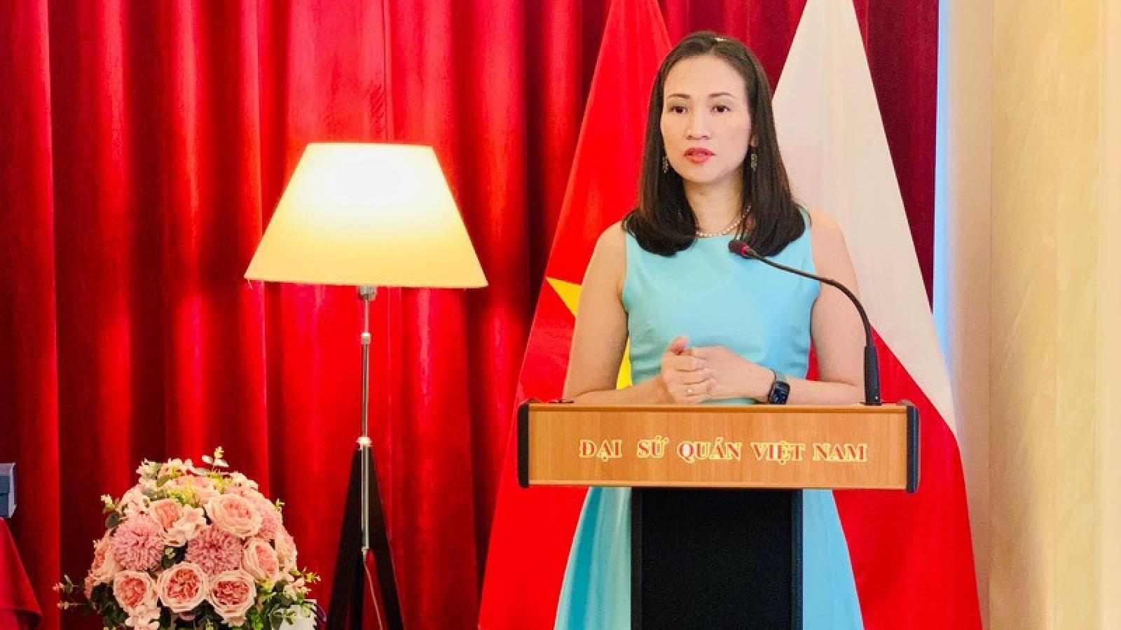 ĐSQ Việt Nam tại Ba Lan tích cực bảo hộ công dân và phòng chống Covid-19