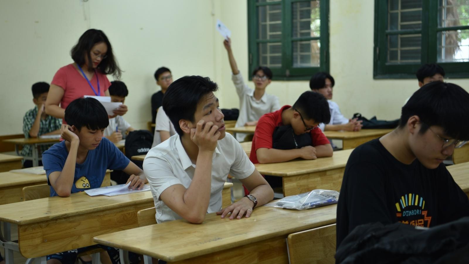 3 thí sinh vi phạm quy chế khi làm bài thi Ngữ văn vào 10 tại Hà Nội