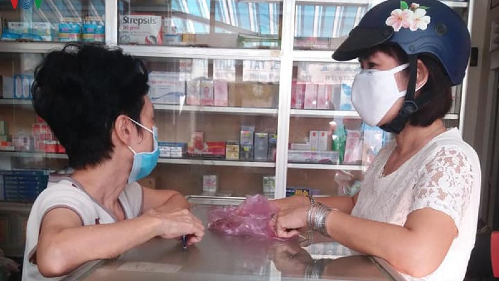 Khẩu trang y tế khan hàng, sốt giá ở Tiền Giang