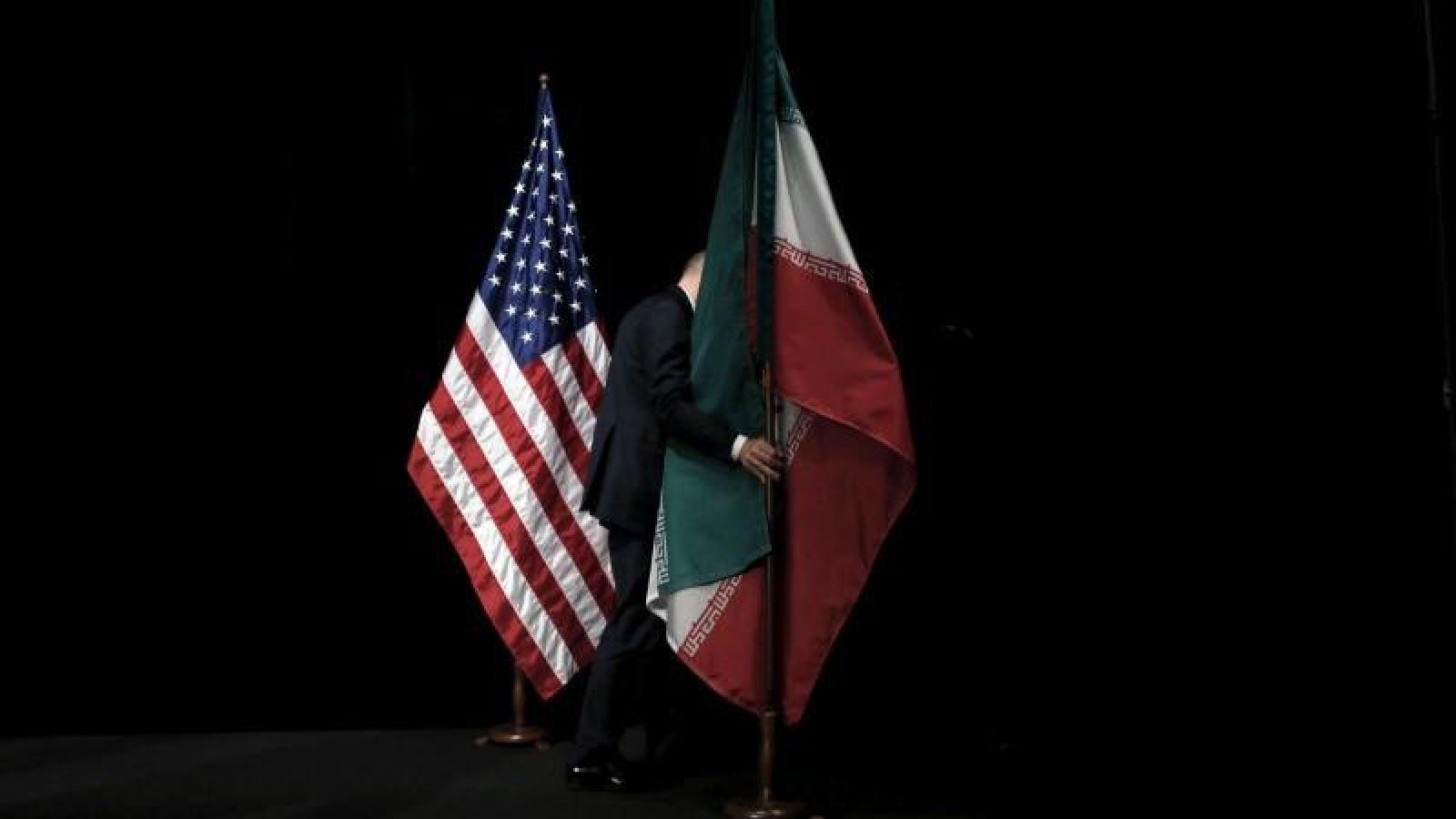 Iran tố Mỹ vi phạm quy tắc an toàn hàng không khi áp sát máy bay ở Syria