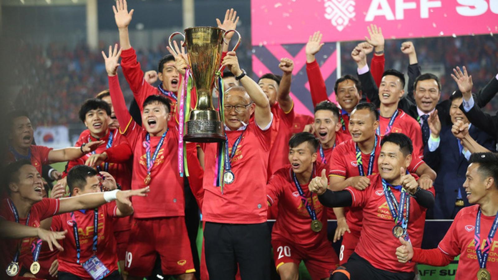 ĐT Việt Nam gặp thuận lợi và khó khăn gì khi AFF Cup bị hoãn?