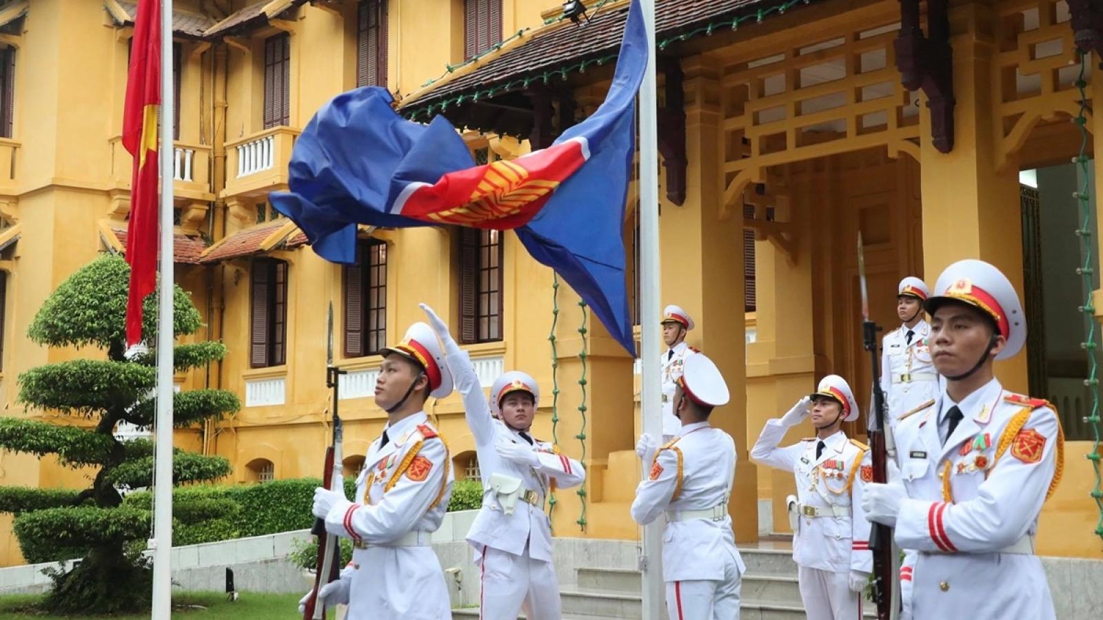 Toàn cảnh Lễ thượng cờ kỷ niệm 53 năm thành lập ASEAN