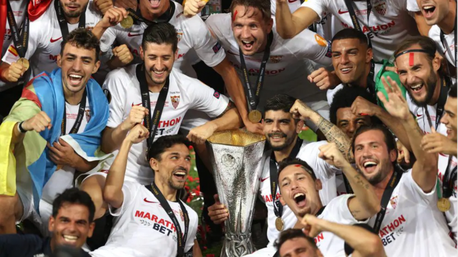 Sevilla vô địch Europa League: Sự trở lại của Nhà vua