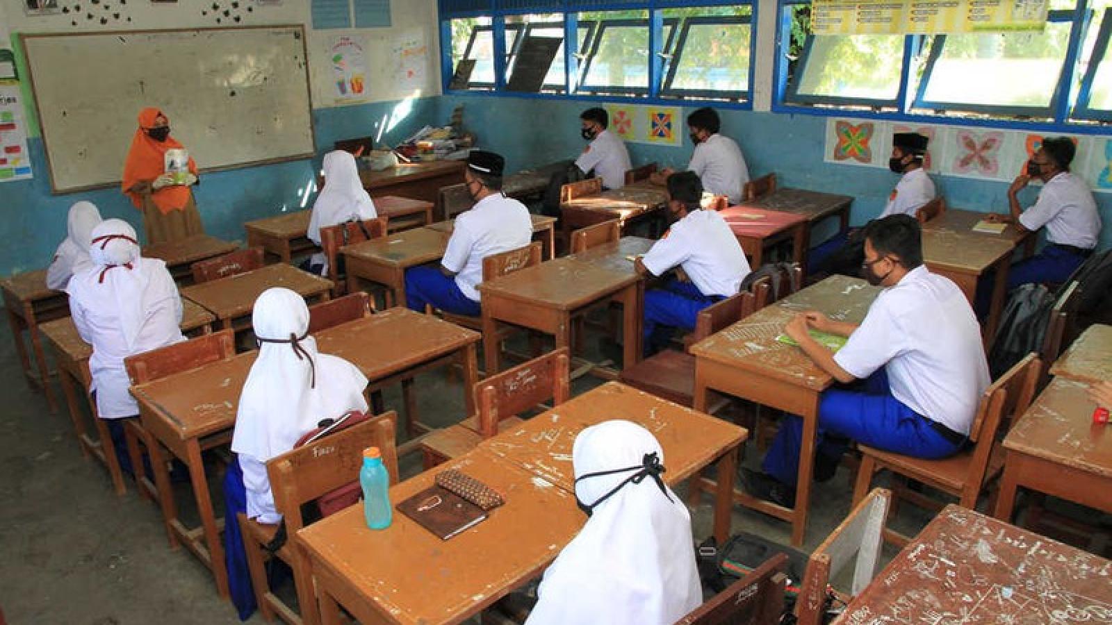 Hàng chục giáo viên Indonesia mắc và tử vong do Covid-19