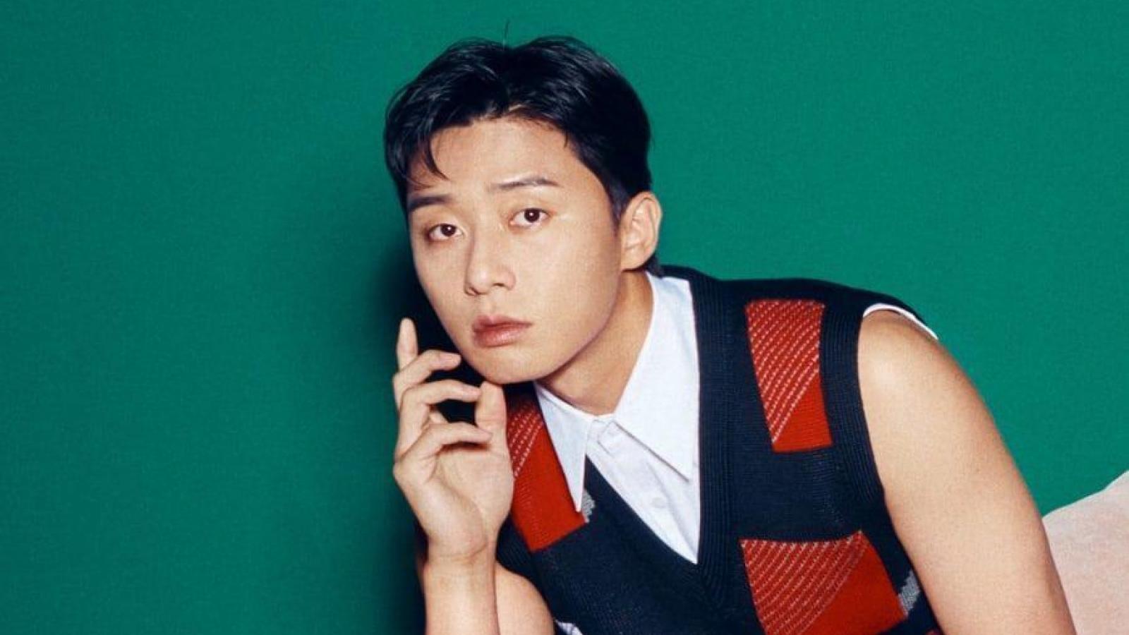 """""""Ông chủ"""" Park Seo Joon điển trai, lãng tử trong bộ ảnh mới"""