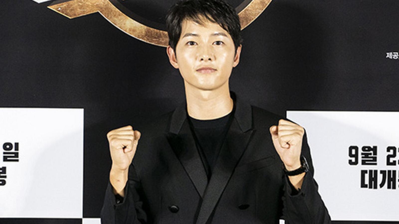 Song Joong Ki lộ diện điển trai, tràn đầy sức sống sau ly hôn