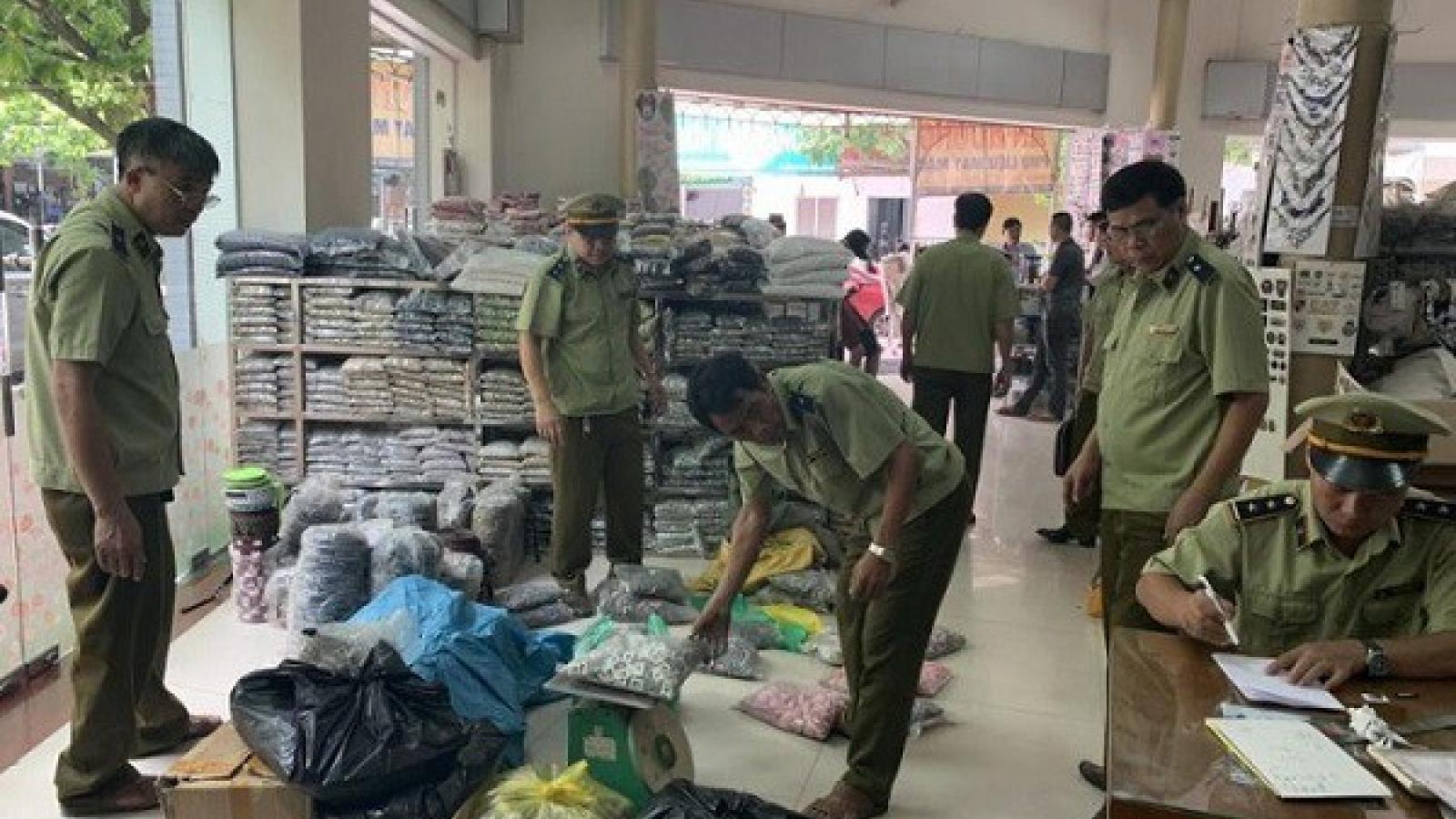 Hà Giang tiêu hủy gần 400 sản phẩm hàng nhái