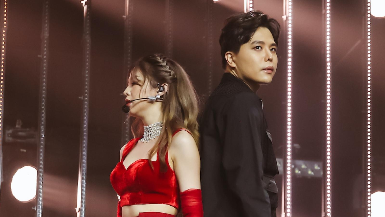 Trịnh Thăng Bình và bạn gái cũ tình tứ song ca trên sân khấu