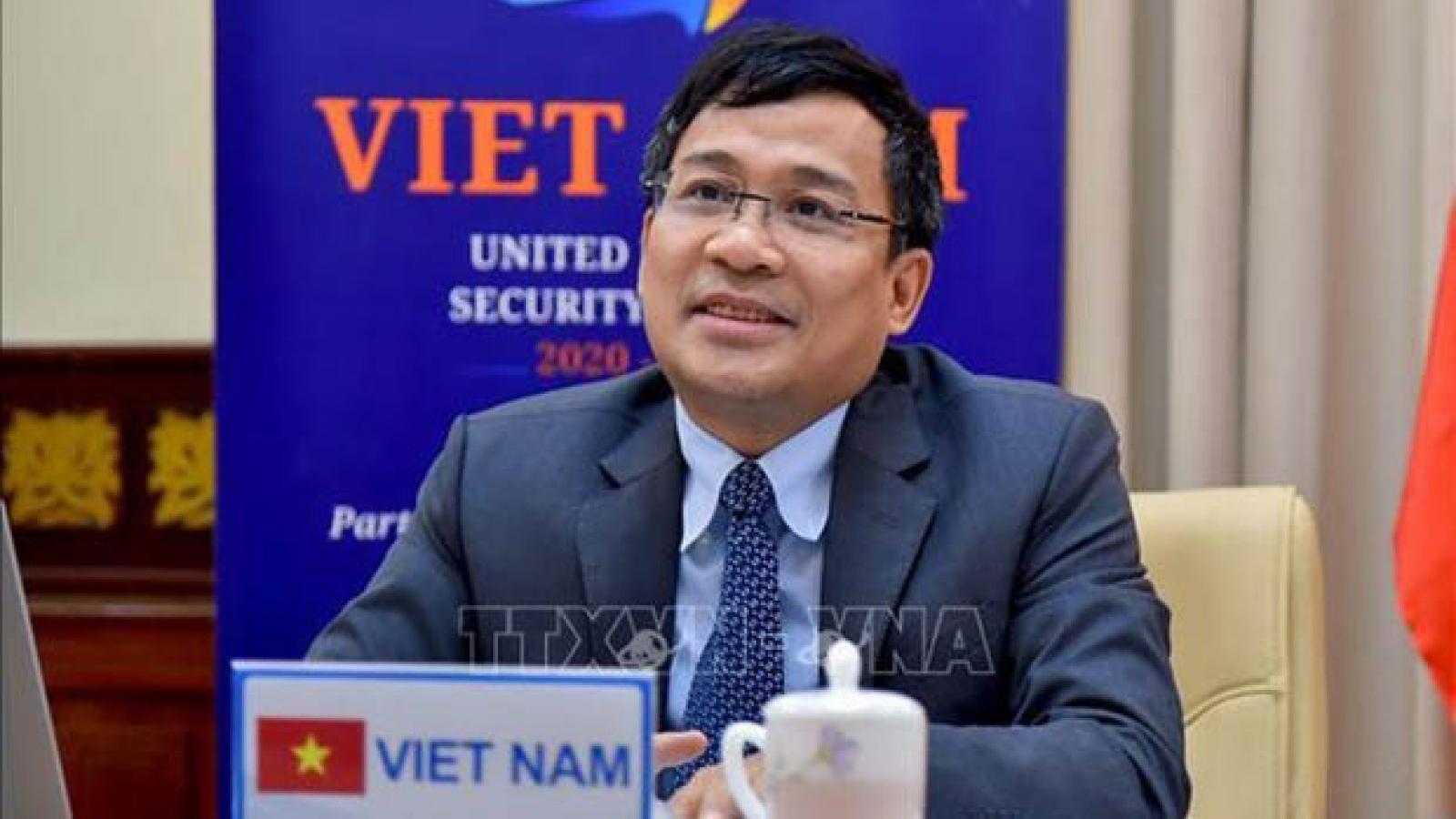 Vietnam ready to cooperate in combating terrorism: diplomat