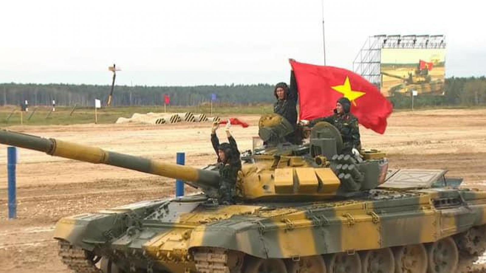 Việt Nam chiến thắng ngoạn mục, vươn lên đầu bảng vòng loại đua xe tăng