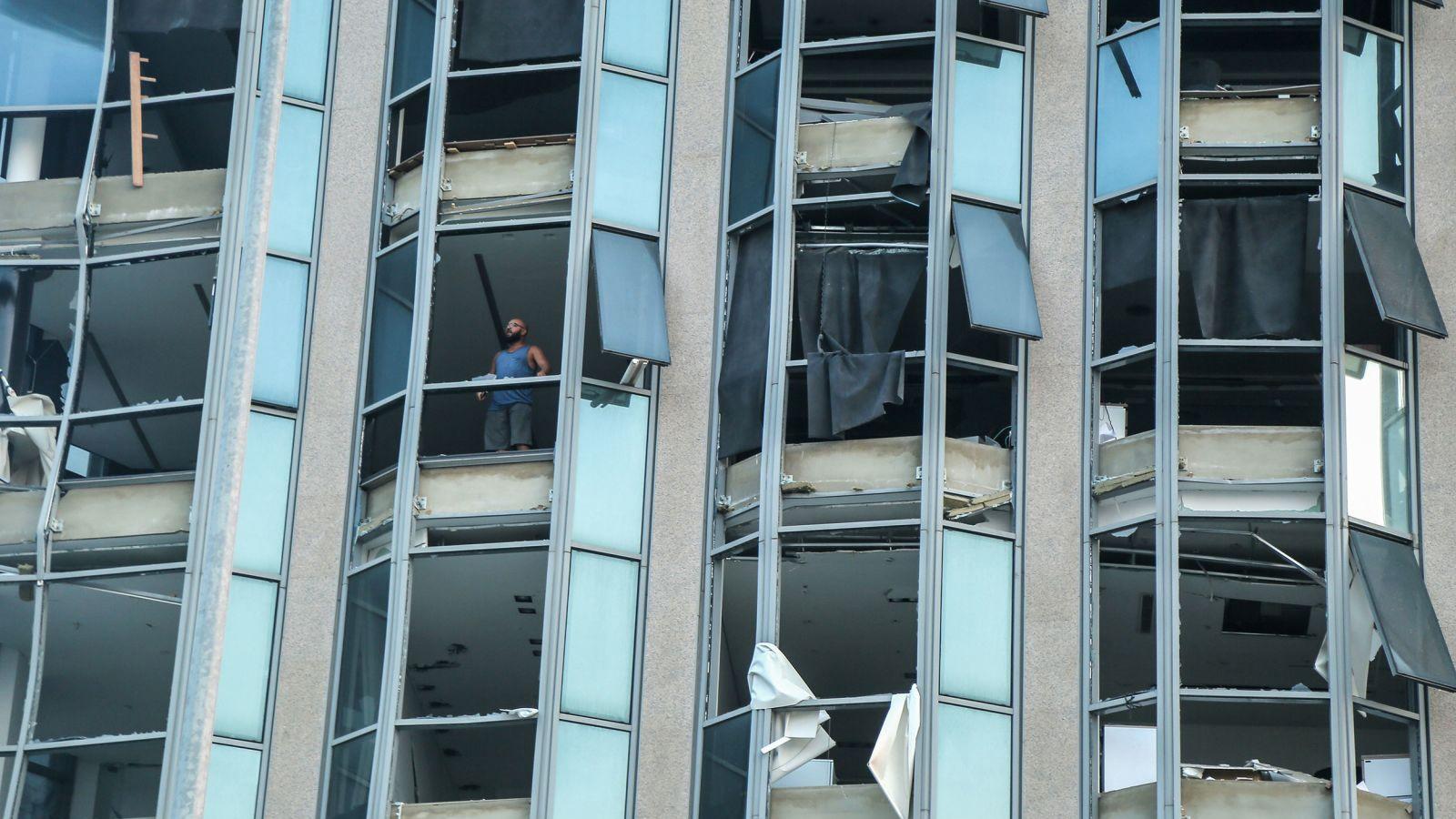"""Hiện trường """"như ngày tận thế"""" sau vụ nổ kinh hoàng ở Beirut, Lebanon"""