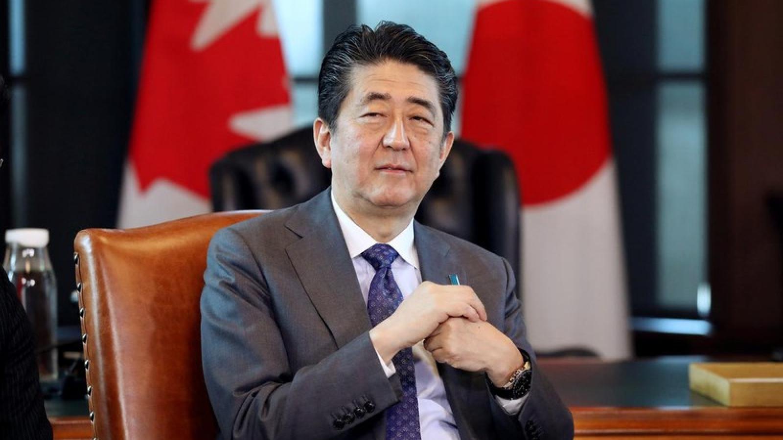 Thủ tướng Nhật Bản tổ chức họp báo giữa tin đồn gặp vấn đề về sức khỏe