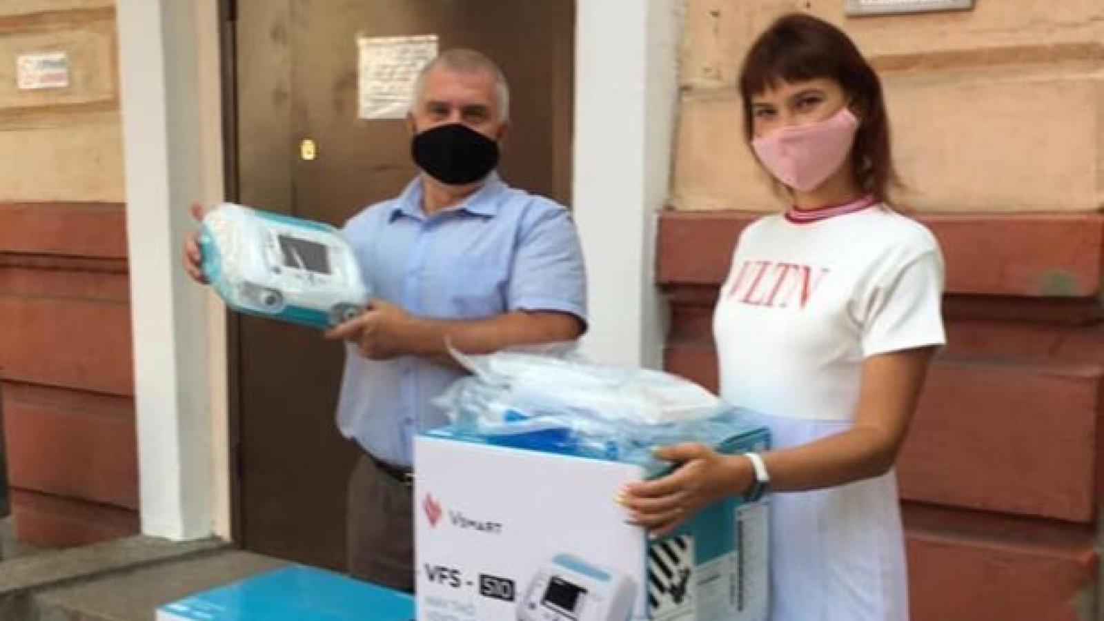 Ukraina trang bị máy thở của Vingroup cho các bệnh viện và xe cứu thương