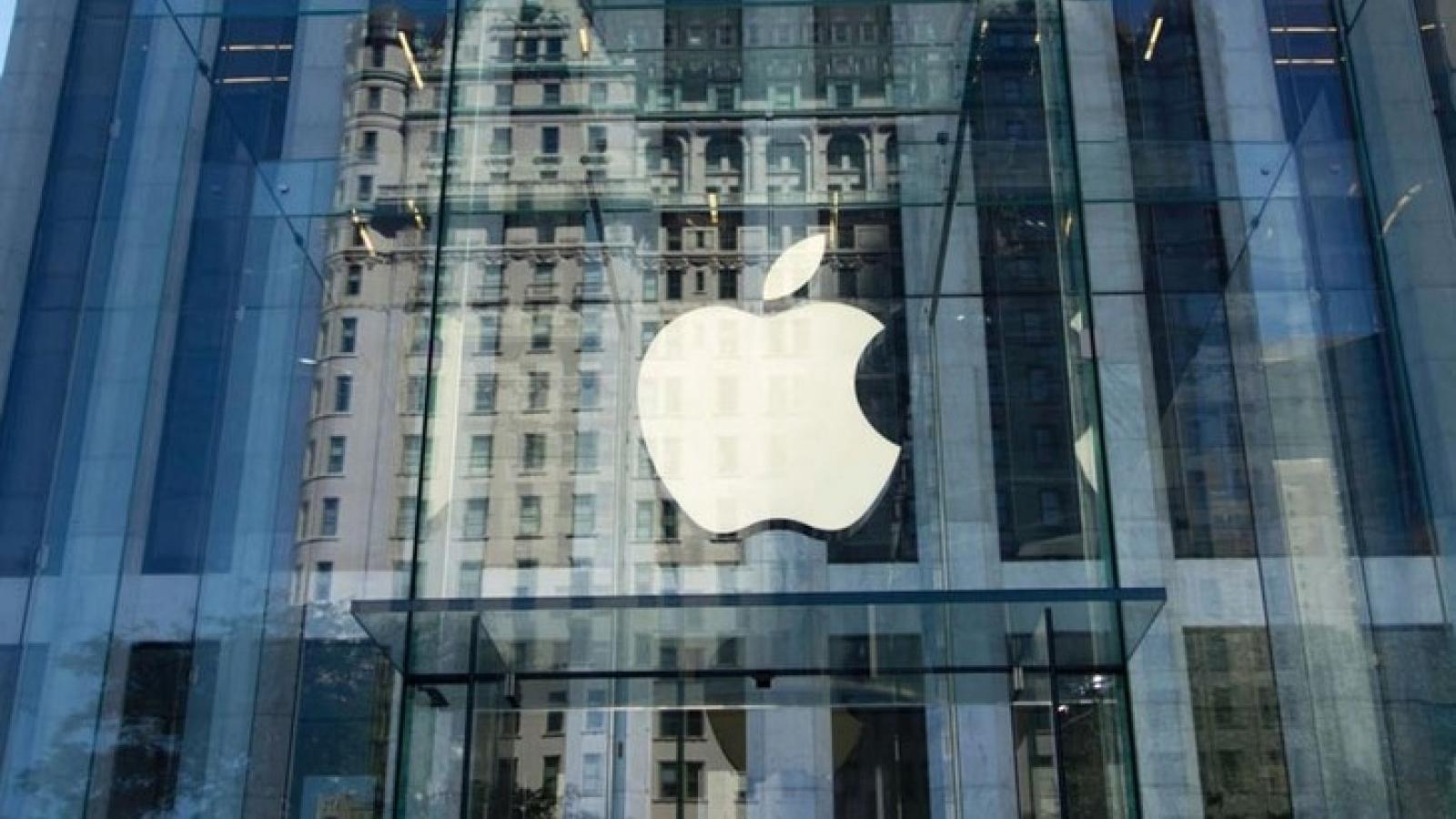 Apple là công ty đầu tiên của Mỹ đạt giá trị thị trường 2.000 tỷ USD
