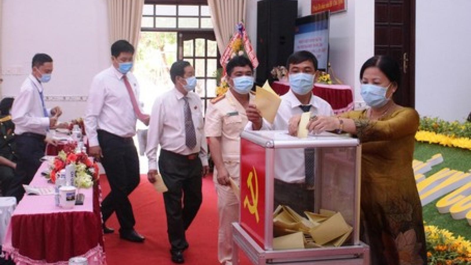Ông Hồ Văn Huân tái đắc cử Bí thư Thành ủy Vĩnh Long