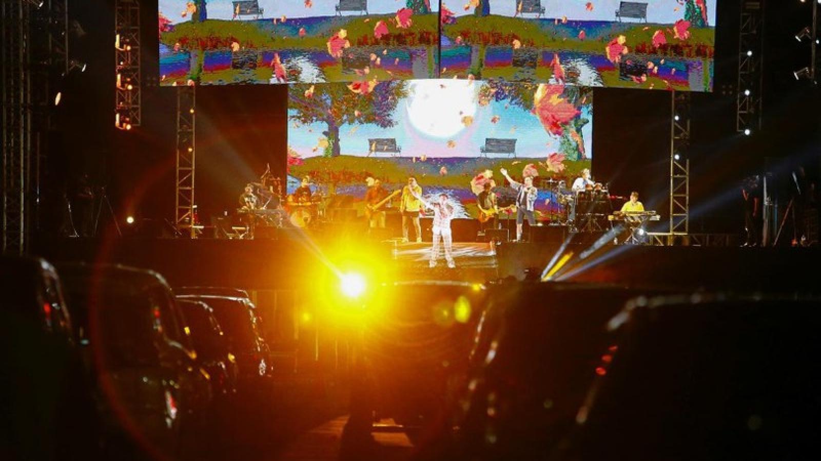 Indonesia tổ chức hòa nhạc ở bãi đỗ xe, tiếp thêm động lực vượt qua Covid-19