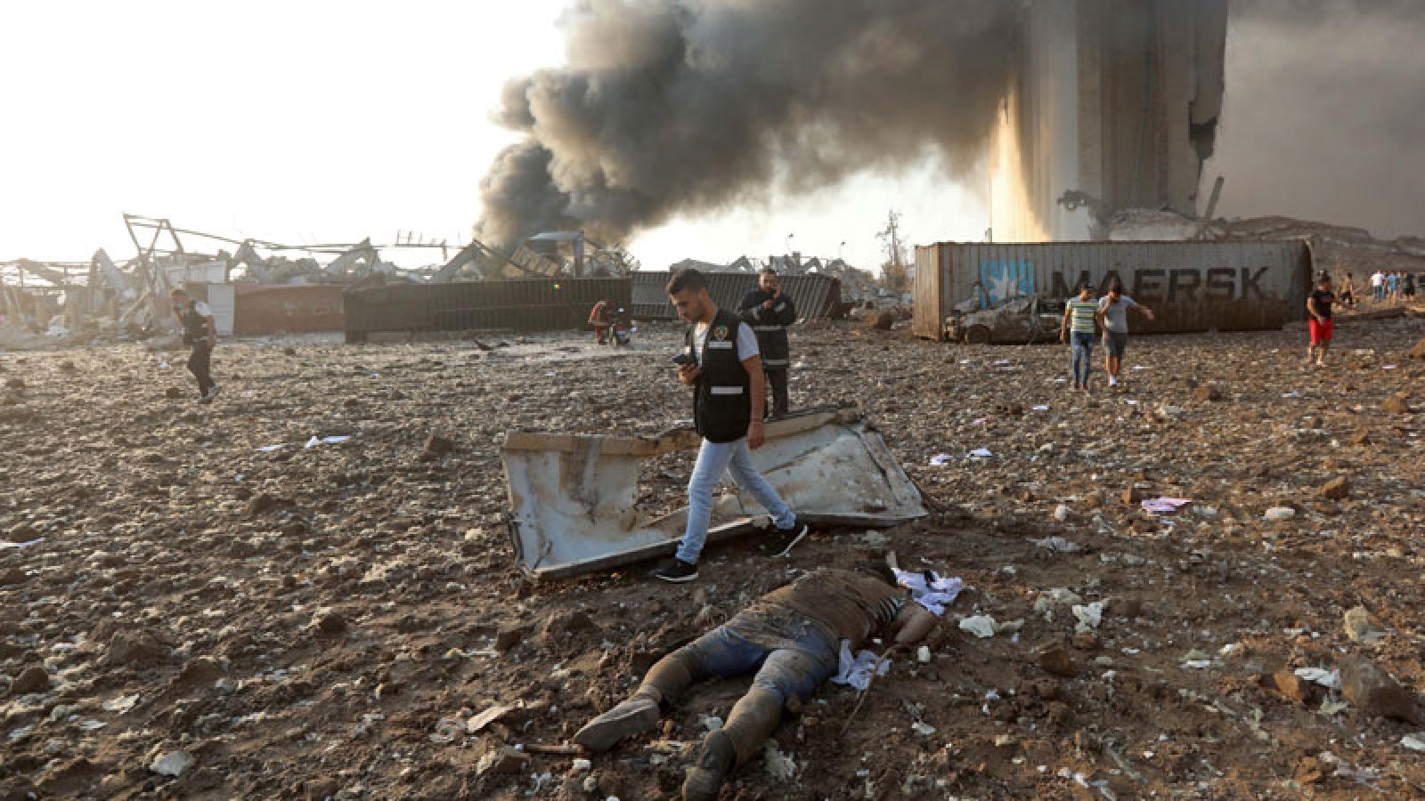 Video: Máu, nước mắt và sự hoảng loạn sau vụ nổ kinh hoàng ở Lebanon